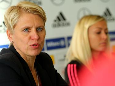 Teammanagerin Doris Fitschen steht in Kontakt mit den Behörden
