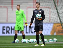 Daniel Mesenhöler (r.) hat den bisherigen Stammkeeper Jakob Busk (l.) verdrängt