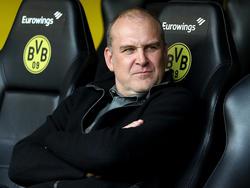 Kölns Geschäftsführer Jörg Schmadtke war nach dem 0:5 in Dortmund völlig bedient