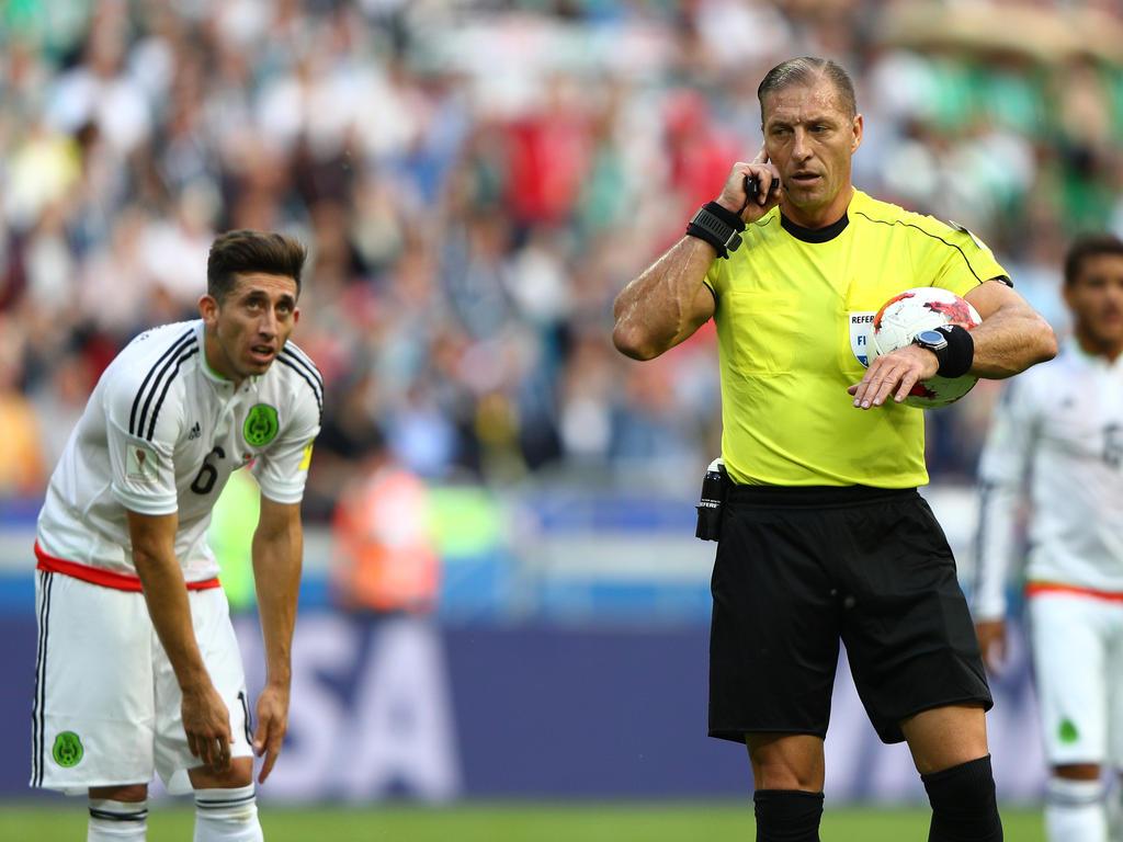 Beim Confederations Cup macht die technische Umsetzung beim Videobeweis Probleme