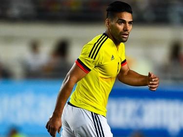 Radamel Falcao en un duelo en España. (Foto: Getty)