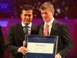 Lothar Matthäus (l.) und Toni Kroos zusammen auf der FIFA-Gala im Jahr 2007
