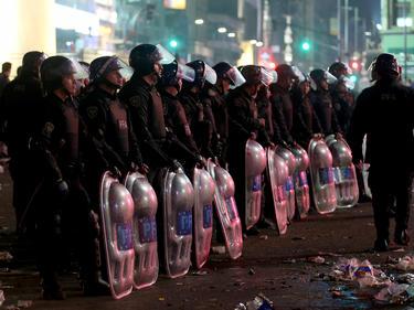 Die Polizisten hatte alle Hände voll zu tun (Symbolbild)