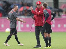 Carlo Ancelotti (M.) wollte Philipp Lahm zum Bleiben überreden