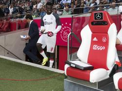 Bertrand Traoré zit voor het eerst bij de wedstrijdselectie van Ajax in de thuiswedstrijd tegen Roda JC. (13-08-2016)