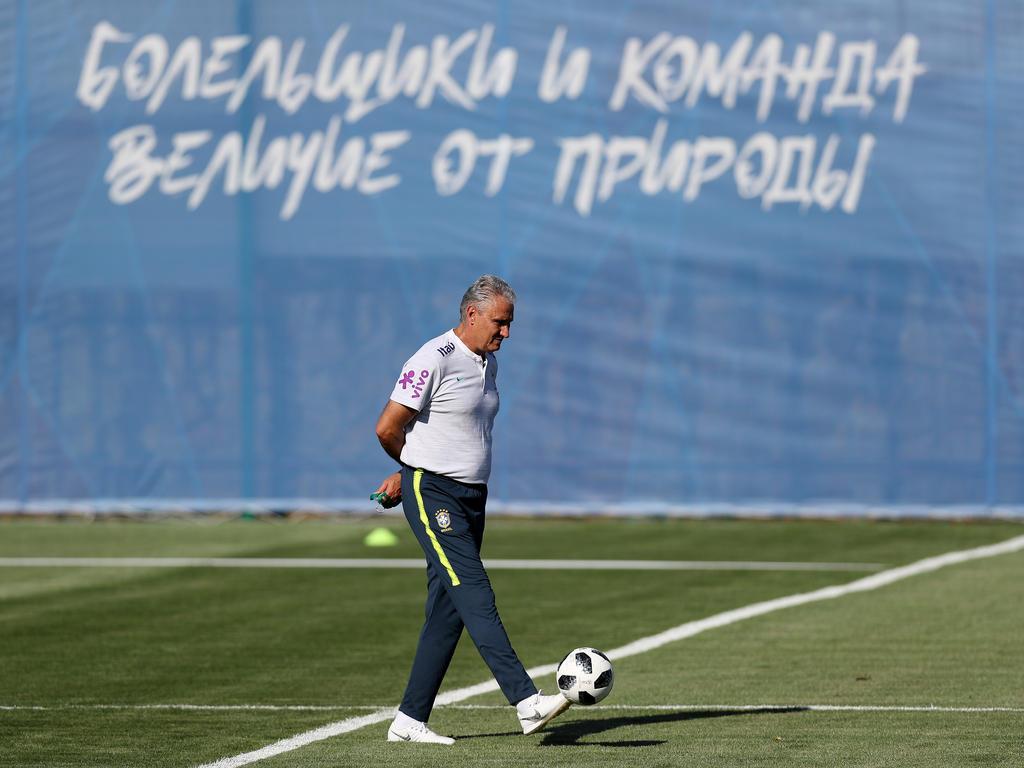 Brasiliens Nationalcoach Tite beim Training in Russland