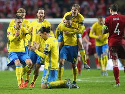 Die schwedische Nationalelf um Zlatan Ibrahimović war nach Abpfiff gut gelaunt