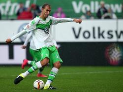 Der Wolfsburger Torjäger verwandelt seinen Elfmeter für den Vizemeister aus Niedersachsen zum 2:0 Endstand gegen Hertha BSC. (19.09.2015)