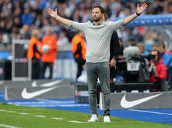 Domenico Tedesco und die Schalker warten auf die Entscheidung Goretzkas