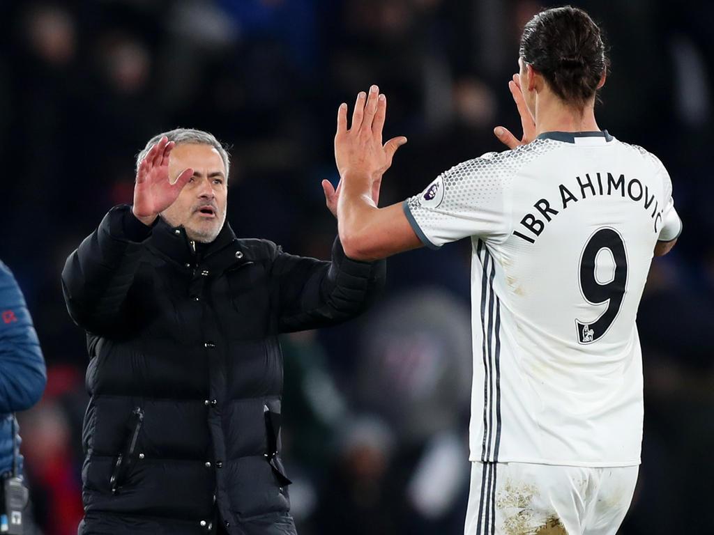 Zlatan Ibrahimović (r.) könnte bei Manchester United noch einmal einen neuen Vertrag bekommen