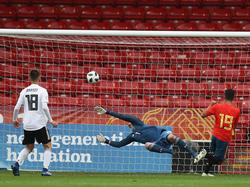 Einer von fünf Gegentreffern: Deutschland hatte gegen Spanien nichts zu melden