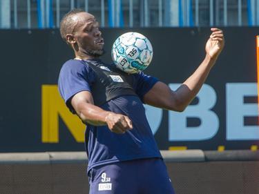Usain Bolt bringt viel Ballgefühl mit (Bildquelle: godset.no)