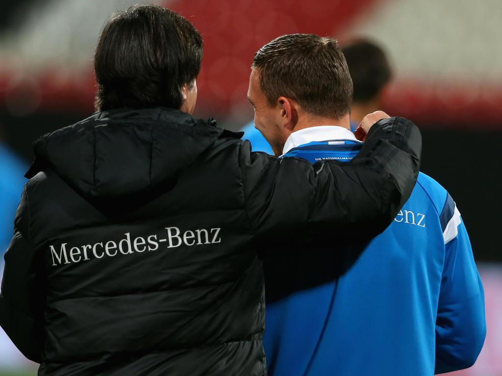 Lukas Podolski (r.) steht vor seinem letzten Spiel für Deutschland