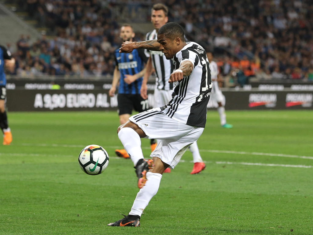 Douglas Costa bleibt bei Juventus