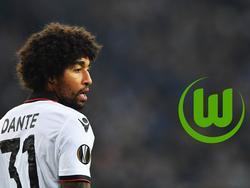 Dante blickt besorgt auf den VfL Wolfsburg