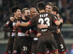 Die Boys in Brown bejubeln den Erfolg gegen Bochum