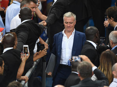 Deschamps recoge el premio de consolación en la final de la Euro. (Foto: Getty)