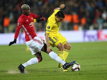 Paul Pogba (l.) konnte mit United in Russland nicht als Sieger vom Platz gehen