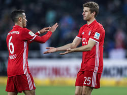 Thiago und Müller bejubeln den Sieg gegen Gladbach