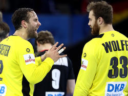 Die Handball-Nationalkeeper Heinevetter (l.) und Wolff sind große Fußball-Fans