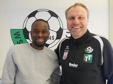 Oumar Toure mit Wattens-Trainer Thomas Silberberger © WSG Wattens
