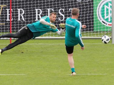 Manuel Neuer (l.) steht im Training wieder voll zur Verfügung