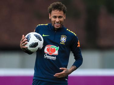 Der verletzte Superstar Neymar von Paris Saint-Germain kostete 222 Millionen Euro