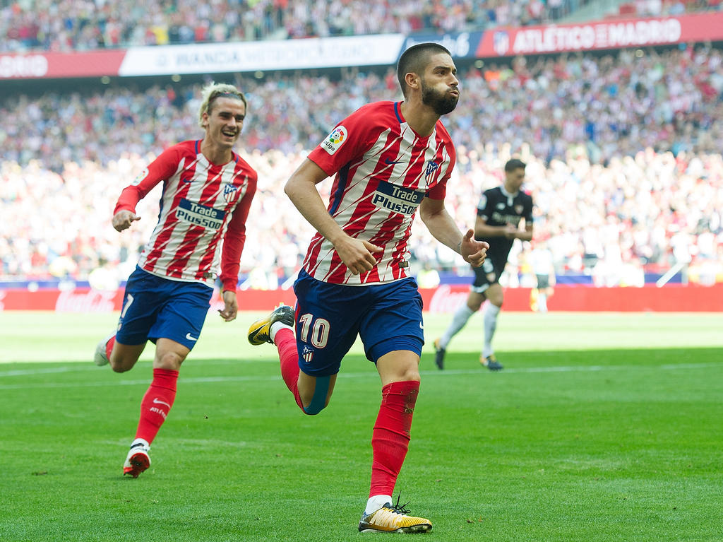 Yannick Ferreira-Carrasco (r.) soll Atlético Madrid im Winter verlassen