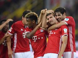 Thomas Müller (2.v.r.) steuerte den Treffer zum 2:0 bei