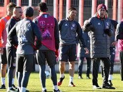 Carlo Ancelotti und der FC Bayern müssen am Sonntag gegen Darmstadt ran