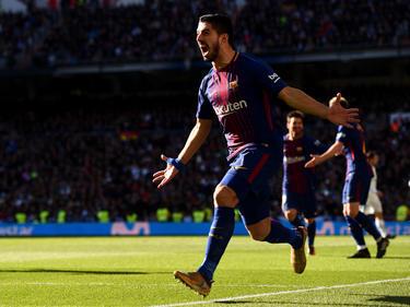 Luis Suárez celebra su gol al Real Madrid en el Bernabéu. (Foto: Getty)