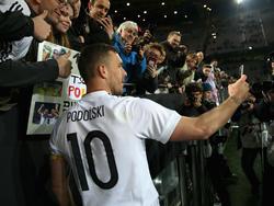 Lukas Podolski genoss den Abend in vollen Zügen