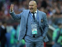Russlands Trainer Stanislav Cherchesov gibt sich nach der Niederlage gegen Portugal gelassen