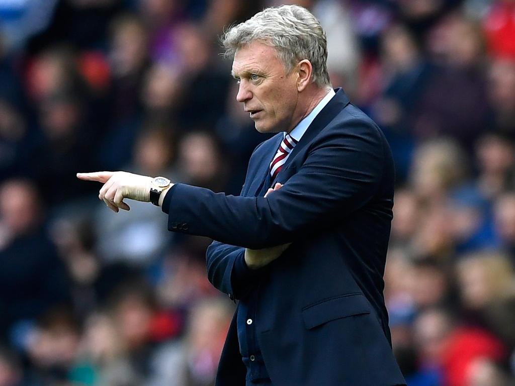 David Moyes da indicaciones en la visita al Sunderland. (Foto: Getty)
