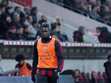 Mario Balotelli acabó expulsado en el campo del Lorient. (Foto: Imago)