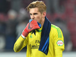 Julian Pollersbeck unterlag mit seinem HSV in Augsburg