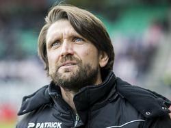 Het is erop of eronder voor NEC tegen Excelsior. Het geduld van de supporters van de Nijmegenaren is op, weet ook trainer Peter Hyballa. (22-04-2017)