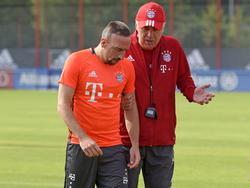 Der Coach musste Ribery (l.) schon öfter den Kopf waschen