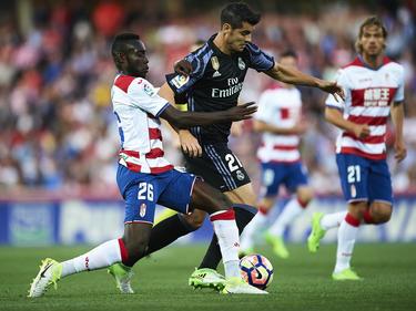 Morata conduce el balón en Los Cármenes (Foto: Getty)