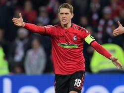 Der SC Freiburg prüft eine Beschwerde wegen der roten Karte gegen Nils Petersen