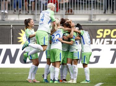 Die Fußballerinnen des VfL Wolfsburg haben ihren Titel verteidigt