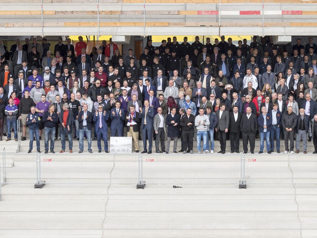 Die violette Familie feierte die Fertigstellung des Stadion-Rohbaues (Foto: Austria Wien)
