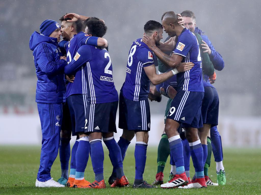 Schalke weiterhin erster Bayern-Verfolger