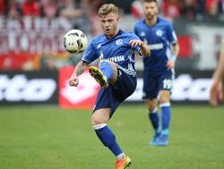 Max Meyer möchte von der Kritik seinen Trainers Markus Weinzierl profitieren