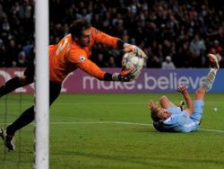 Pablo Zabaleta (r.) hat seinen Vertrag bei Manchester City verlängert