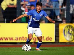 Alessandro Schöpf trifft mit dem FC Schalke am Freitag auf den FC Bayern