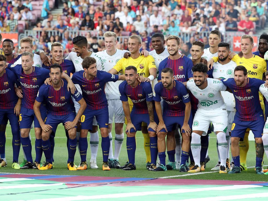 Tolle Gesten im Rahmen des Testspiels im Camp Nou