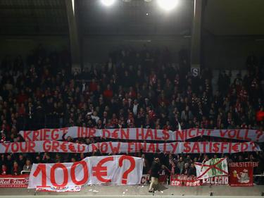 Bayern-Fans machten in Anderlecht mit einem Banner auf sich aufmerksam