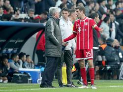 Jupp Heynckes (l.) weiß, wie er mit den Bayern-Stars reden muss