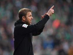 Werders Trainer Florian Kohfeldt reist mit seinem Team zur Vorbereitung auf die neue Saison nach Österreich